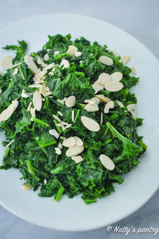 Quick and Simple Sautéed Kale with Garlic Recipe,whole30 : nattyspantry.com