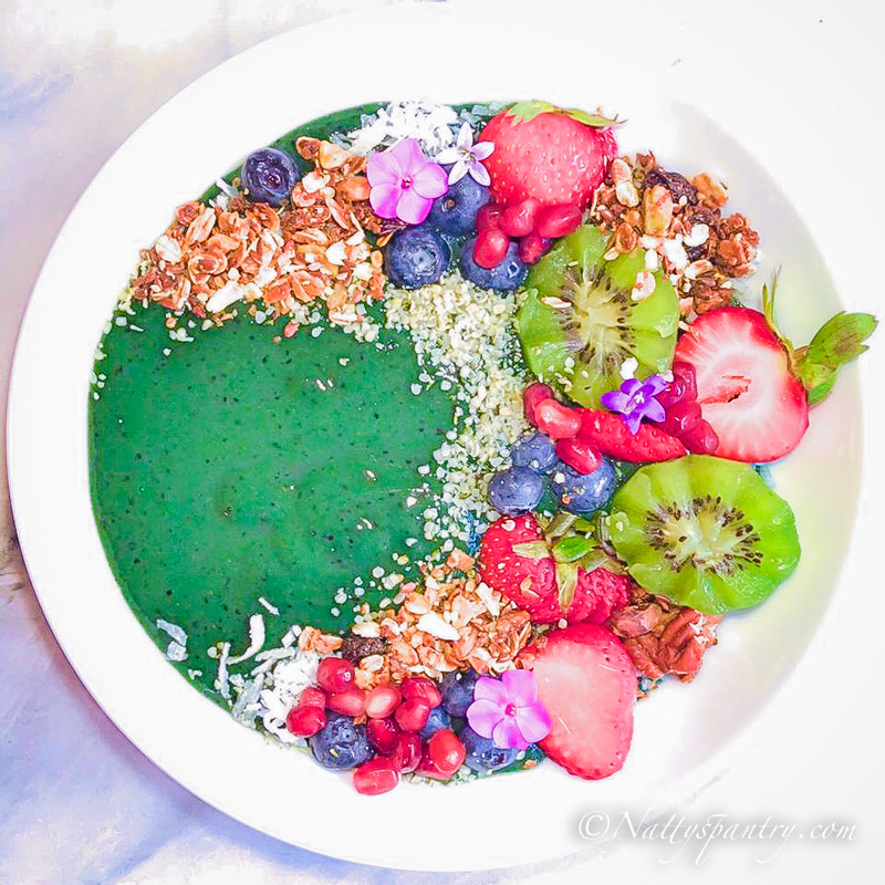 Thick & Creamy Green Smoothie Bowl Recipe